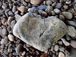 hati retak